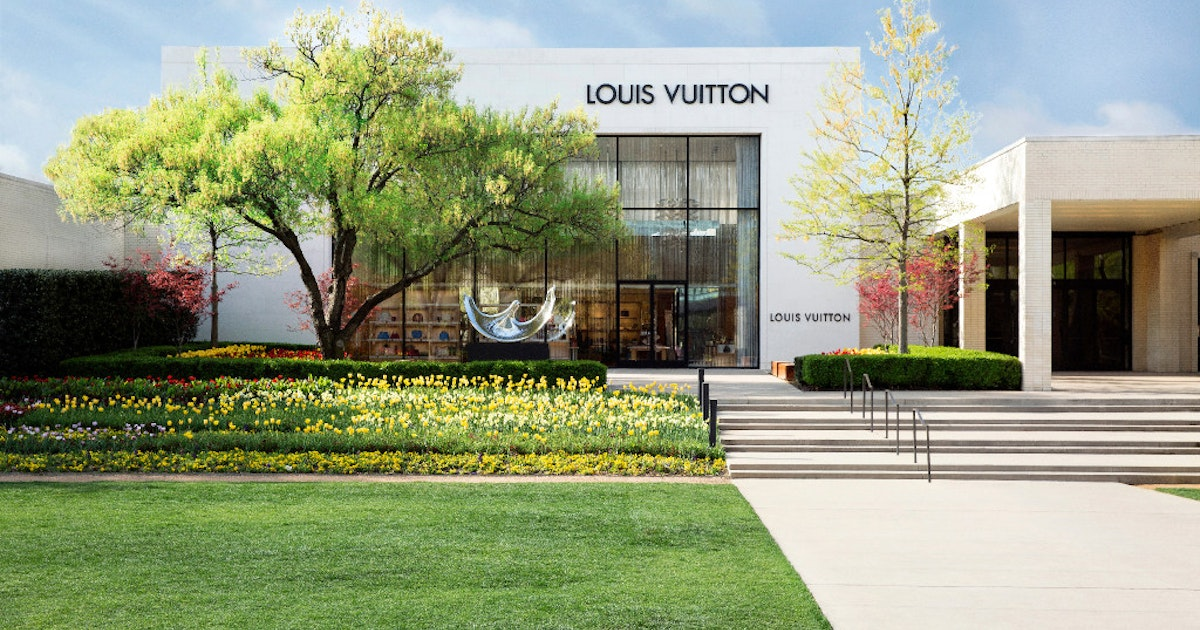Northpark Center Combines Flowers And Fashion At Inaugural