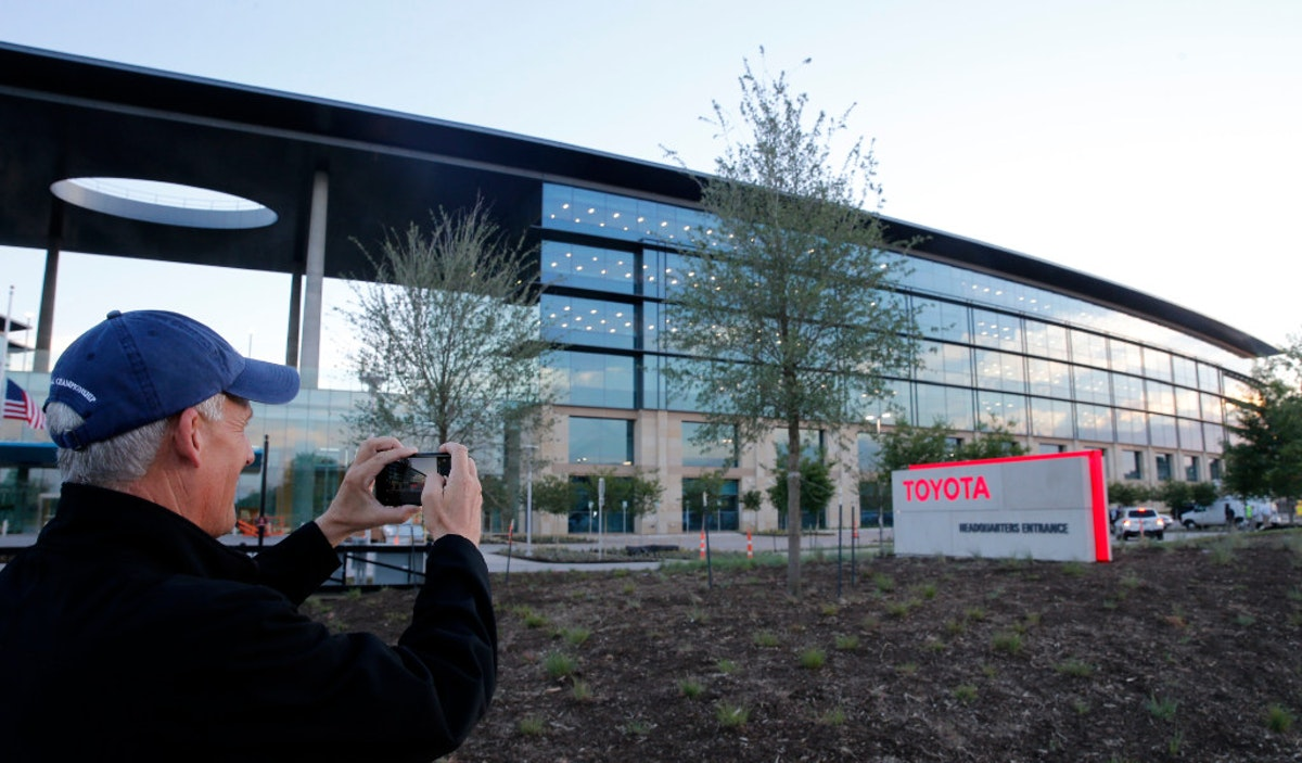 Moving Day Toyota S Transition Starts As Employees Check