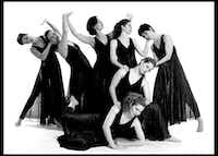 Elledanceworks performed artistic director Ronelle Eddings' <i>Lifetides</i> during the 2000-01 season.(Brian Guillaux)