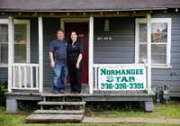<i>Normangee Star</i>&nbsp; owners and editors Chris and Sylvia Moss produce a weekly paper from a house adjacent to their home.(Tom Fox/Staff Photographer)