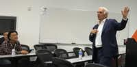 Dallas Stars CEO Jim Lites talks with entrepreneurs as part of a business accelerator program offered through Stadia Ventures.(Valerie Wigglesworth/Staff)