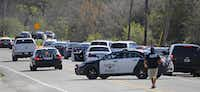 A 2016 file photo of Fort Worth police near the scene where an officer was shot in a gun battle with two suspects.(Paul Moseley/Star Telegram)