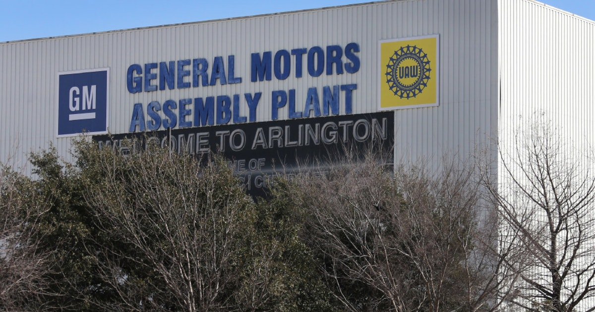 Gm Adds 850 More Jobs In Arlington Expands To Six Flags Mall Site