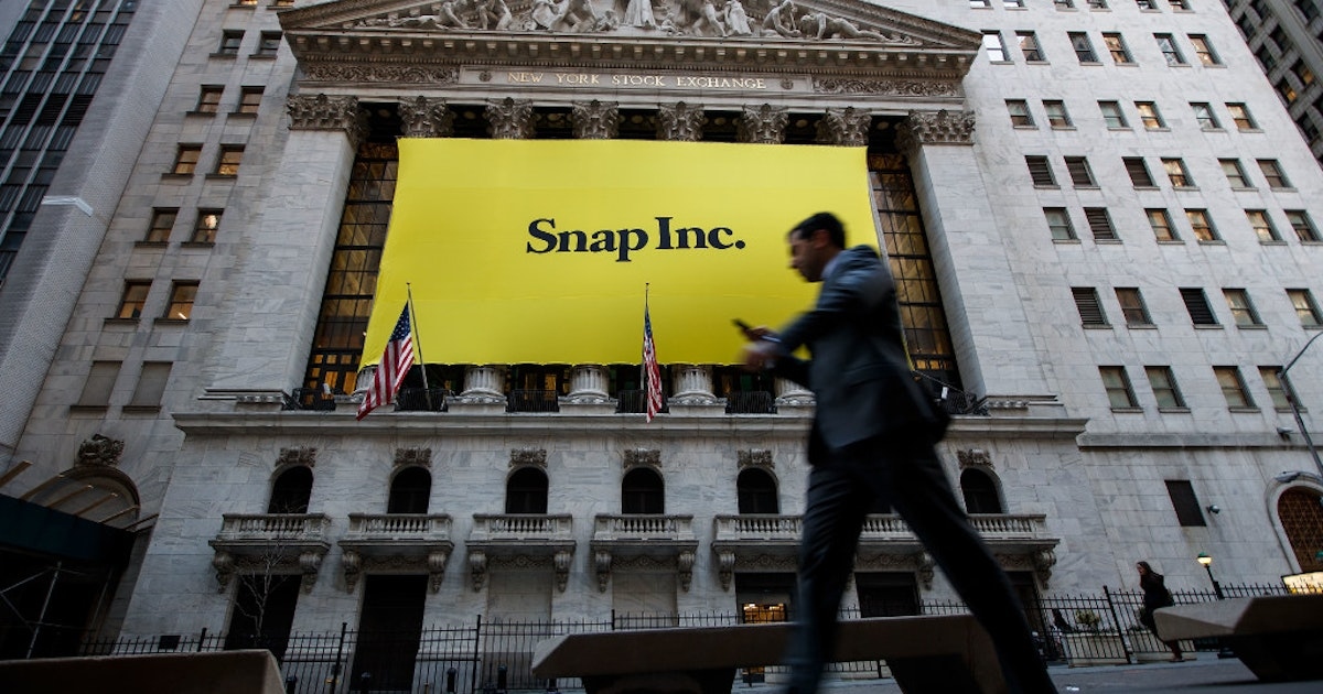 Shows by Snapchat: AT&T's merger target Time Warner signs deal to make  original content for app (6.39/20)