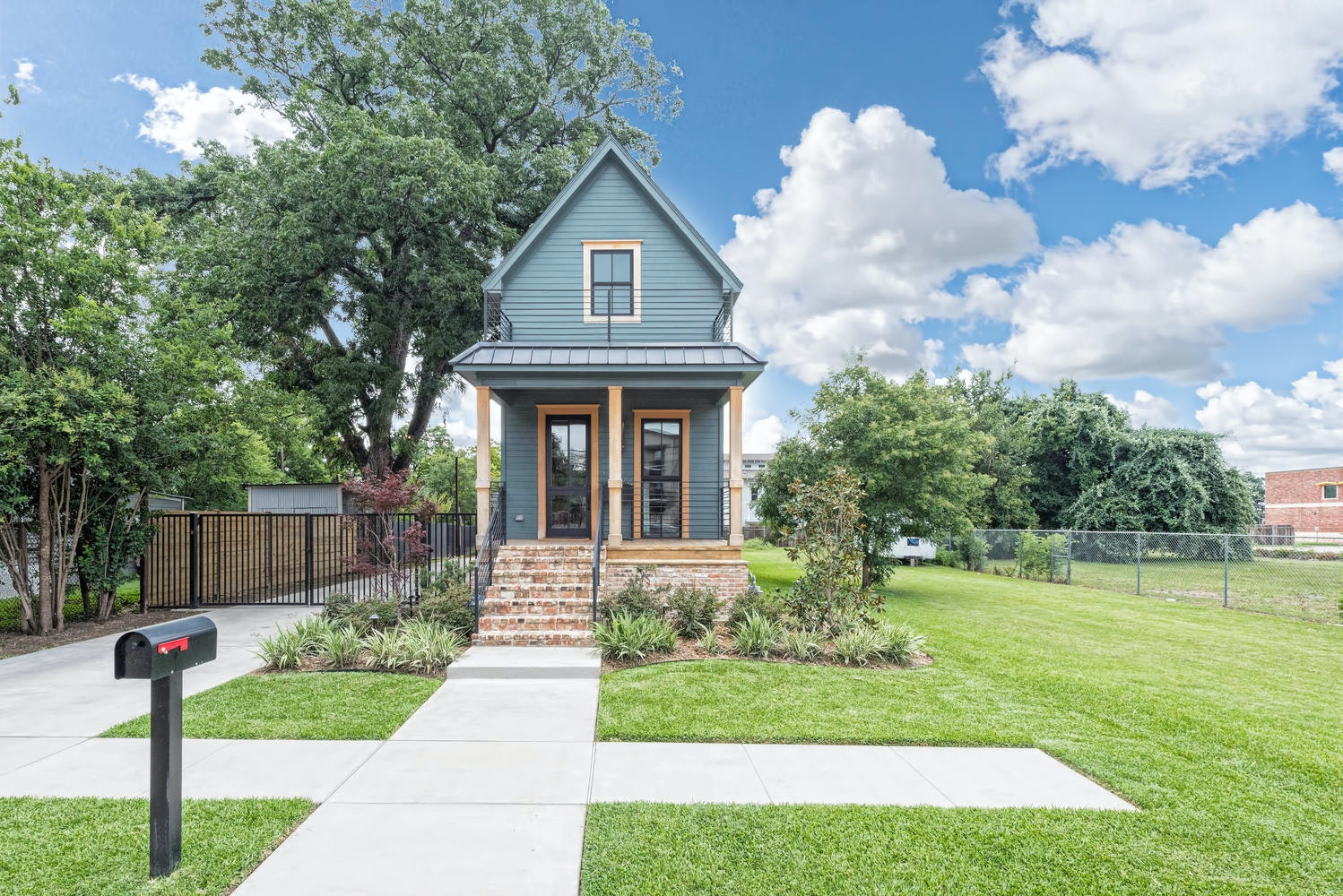 Yes, A 1 Bedroom House In Waco Is Selling For $950,000, And Itu0027s All About  U0027Fixer Upperu0027 | Business | Dallas News