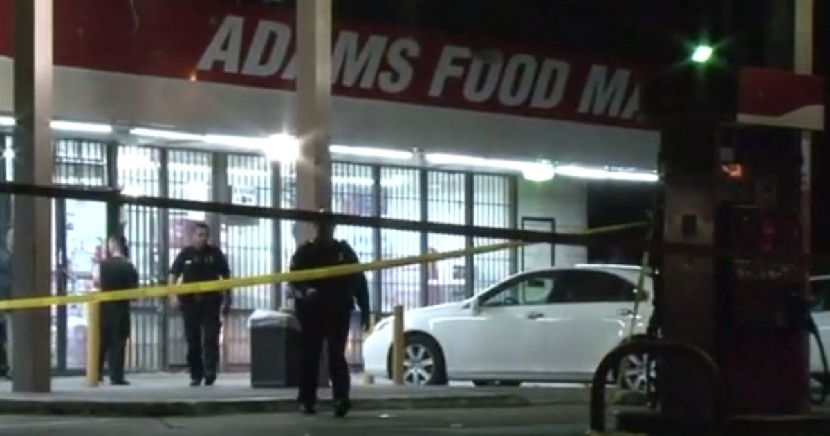 Drive By Shooting Wounds 3 In Crowd Outside Food Mart In