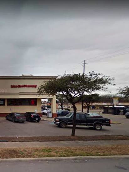 guard at cvs pharmacy chases down kills shoplifter in dallas