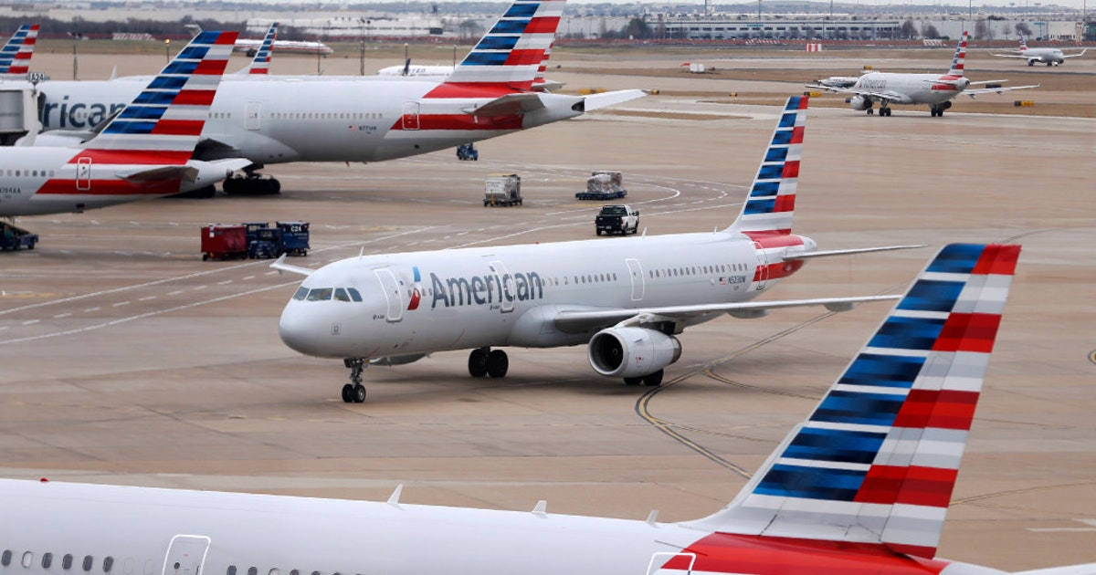 American Airlines Relaxes Employee Travel Dress Code