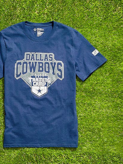64caec7afd0 Watch  J.C. Penney shoppers line up for T-shirt that comes with Dallas  Cowboys experience