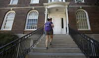 Wendy Birdsall heads to Clements Hall for Ana Melgarejo Acosta's Spanish class at SMU on Wednesday, September 23, 2015. (Louis DeLuca/The Dallas Morning News)(Louis DeLuca/Staff Photographer)