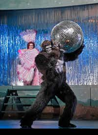 Anna Christy (Morgana) And Alek Shrader (Oronte) in <i>Alcina </i>at the Santa Fe Opera.(KEN HOWARD)