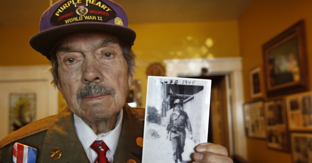 Lupe Valderas, Dallas veteran who served in the Battle of the Bulge, dies at 93