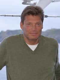 Andrew Gross(Lynn Gross)