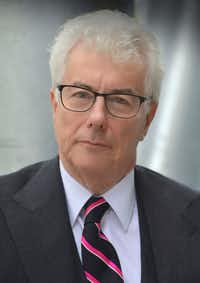Author Ken Follett(Olivier Favre)