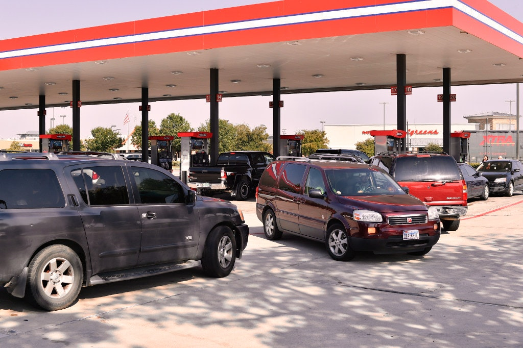 how did the gasoline shortage of Whether reports of shortages were true or not, many of those in line said that they  read of gasoline shortages and of stations running out of fuel.