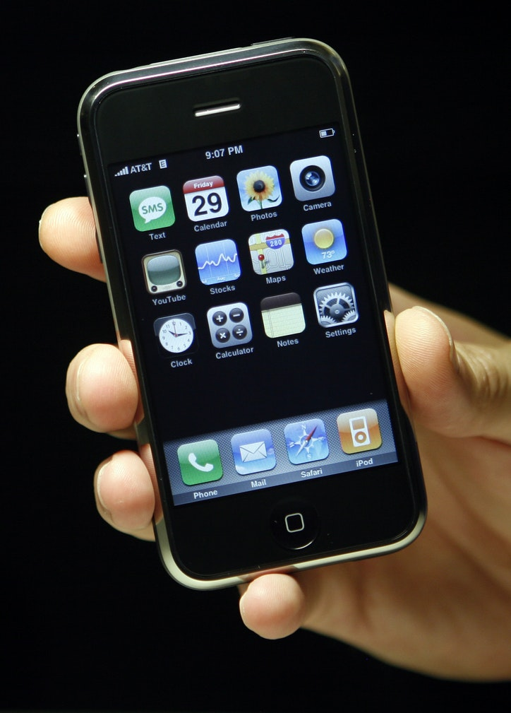 what year did the first iphone come out 10 years ago at amp t bet on apple s iphone aiming to 21237