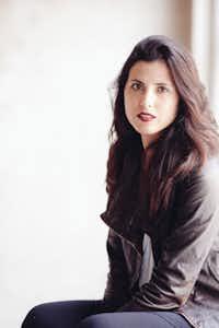 Samantha Mabry(Laura Burlton)