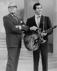 Trini Lopez appeared with comedian Jack Benny in the 1960s. (File Photo/The Associated Press)
