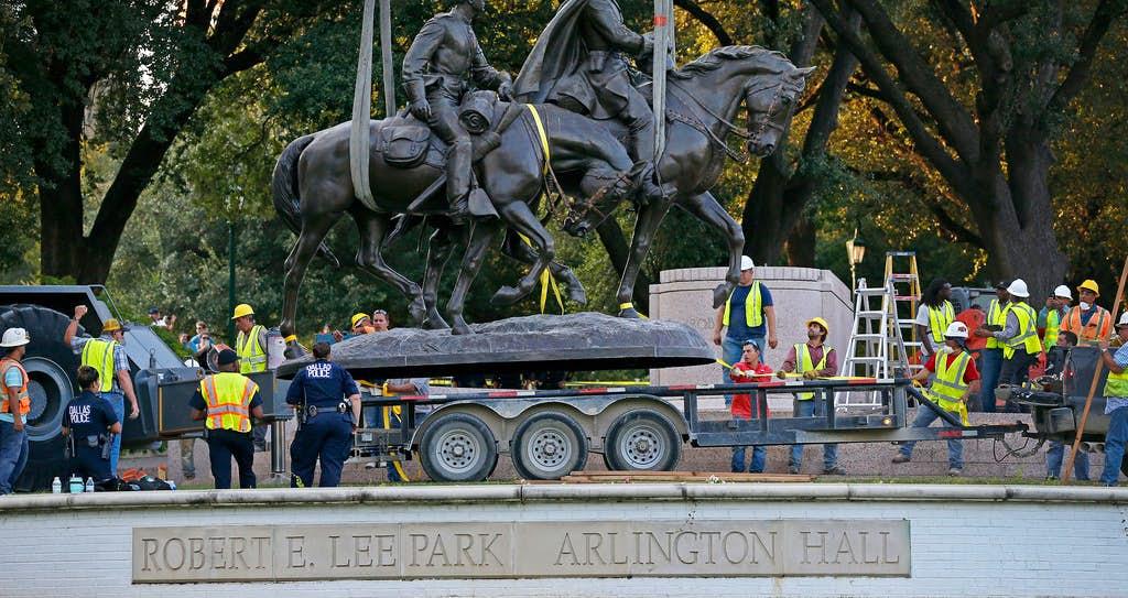 Crane removes Robert E. Lee statue from Dallas park | Dallas City ...