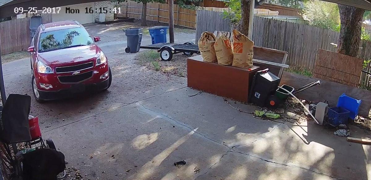 Watch Burglars Sneak Into Northwest Dallas Garage Before
