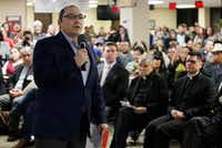 Francisco de la Torre, head of the Mexican Consulate in Dallas, addressed a town hall meeting on immigration issues in February at the consulate.(File Photo/Ben Torres)