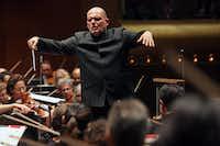 <p>Jaap van Zweden leads the New York Philharmonicat David Geffen Hall in New York in a September performance.</p>(Hiroyuki Ito/The New York Times)