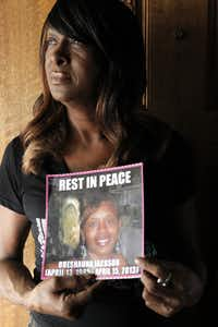 "<p><span style=""font-size: 1em; background-color: transparent;"">Dianne Anderson holds a picture of her daughter, Breshauna Jackson.</span></p>(DMN file photo)"