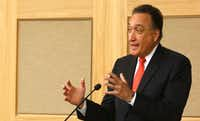 Former U.S. Secretary of Housing and Urban Development Henry Cisneros was one of several speakers at the Cities, Suburbs, and the New American Symposium at SMU on Oct. 26, 2017.(David Woo/Staff Photographer)
