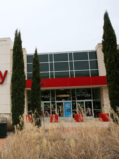 a4d1c05bb0fe J.C. Penney warns of poor results as it slashed prices on slow-moving  merchandise
