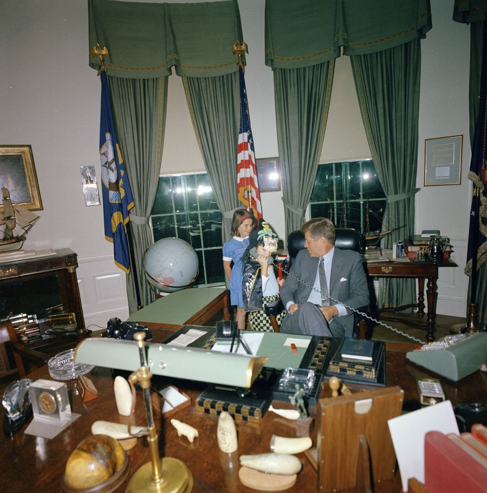 jfk in oval office. Flashback: JFK\u0027s Children Modeled Halloween Costumes In The Oval Office | From Archives Dallas News Jfk D