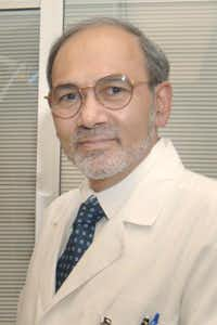 "<p><span style=""font-size: 1em; background-color: transparent;"">Dr. Ahamed Idris is the leader of UTSW's non-consent medical study.</span></p>"