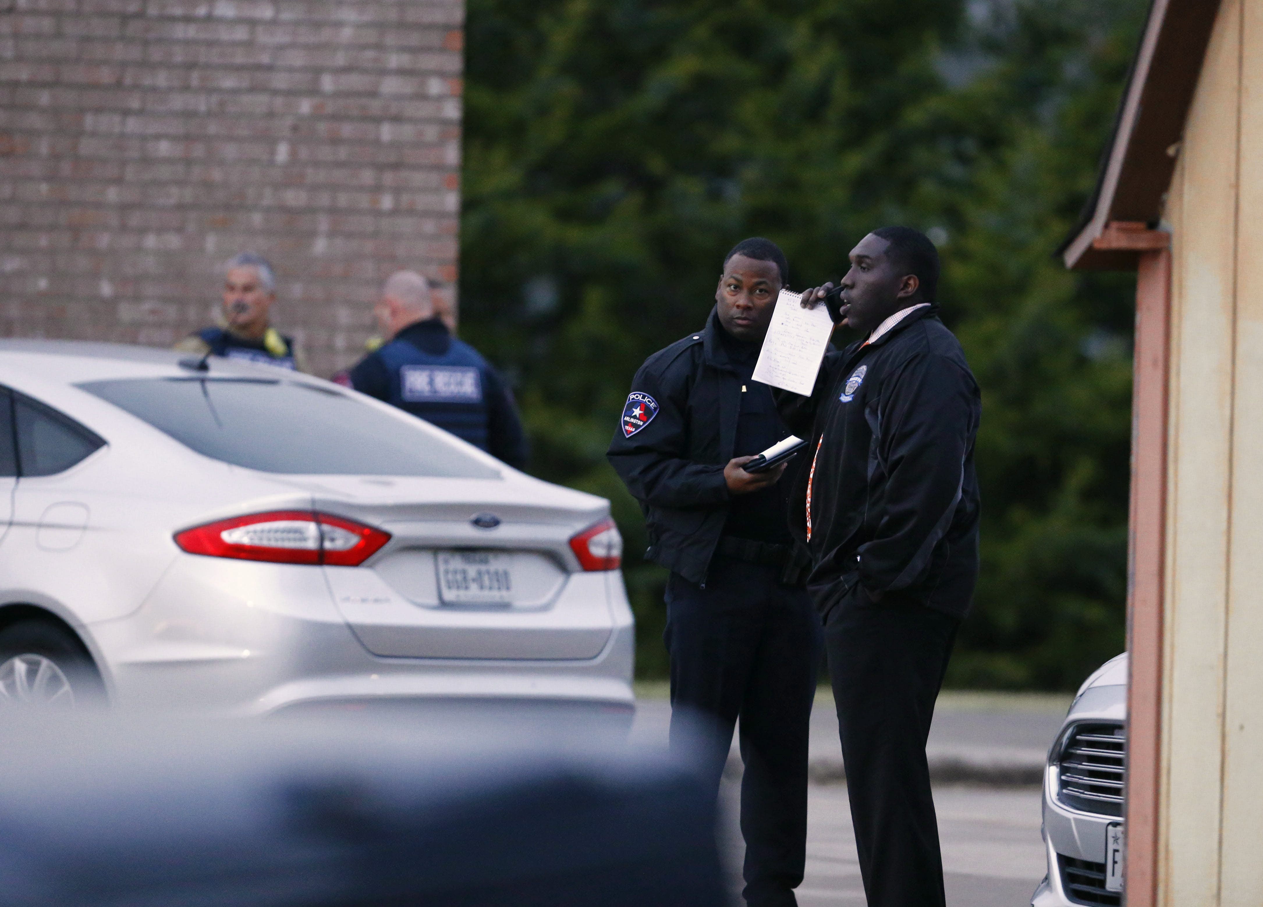 Gunman Who Shot Arlington Officers With Ar 15 Was No