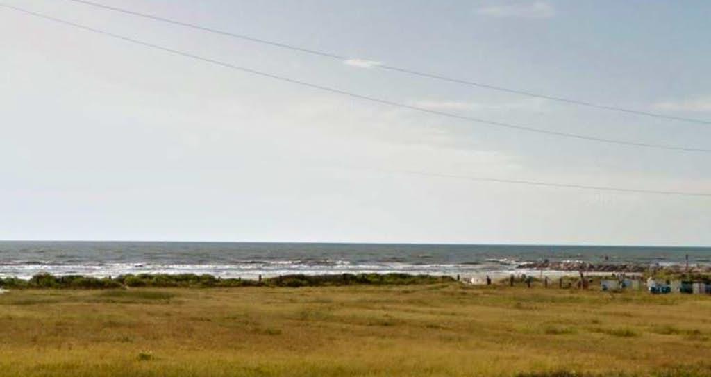 Police struggling to identify boy found dead on Galveston beach 2 ...