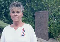 "<p><span style=""font-size: 1em; background-color: transparent;"">Kelley Fitzwater in 2001, in Killeen, Texas, near the memorial dedicated to those killed in the Luby's Cafeteria massacre. On Oct. 16, 1991, she survived the shootings along with her husband when she pressed herself to the floor in the cafeteria serving line.</span></p>(HARRY CABLUCK/AP)"