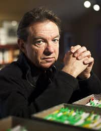 Lawrence Wright in Austin, Texas, Dec. 15, 2012. (BEN SKLAR/NYT)