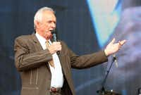 Mel Tillis performs at the Oklahoma Twister Relief Concert in July 2013 at the Gaylord Family-Oklahoma Memorial Stadium in Norman, Okla.(2013 File Photo/Invision/The Associated Press)