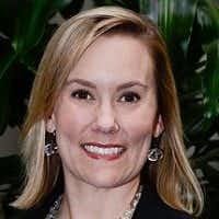 Anne Idsal(LinkedIn)