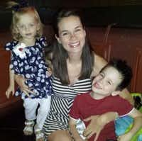 Rachel Dawson and her two children, Aubrey and Luke.(GoFundMe)