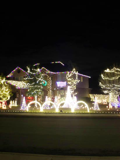 This Selena Christmas light show is a Texas family\'s tribute to the ...