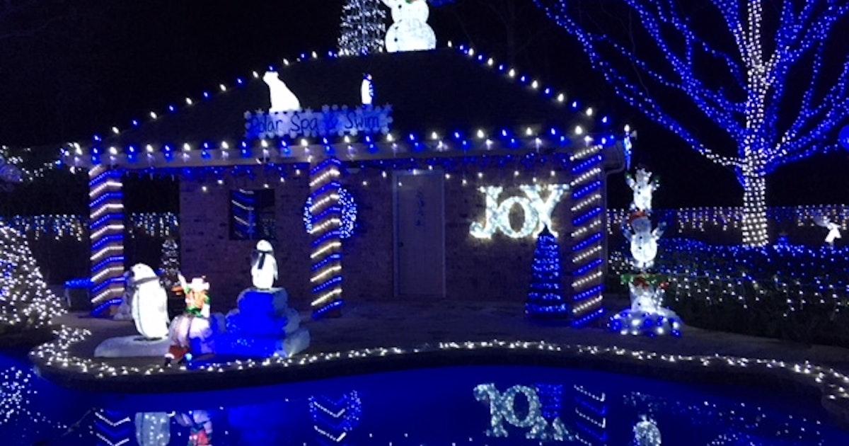 Cedar hill familys 100 000 light blue christmas display wins