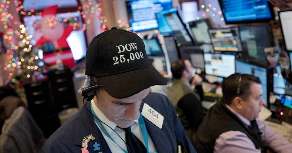 6887454e9a6 Dow Jones hits 25
