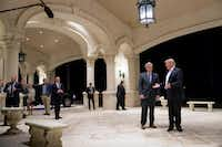 President Donald Trump looks at House Majority Leader Kevin McCarthy of Calif., as he speaks to members of the media as they arrive for a dinner at Trump International Golf Club in in West Palm Beach, Fla., Sunday, Jan. 14, 2018. (AP Photo/Andrew Harnik)(Andrew Harnik/AP)