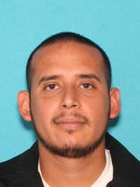 Aaron Olivarez Candanoza(Irving Police Department)