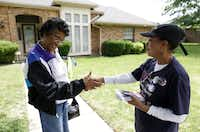 When she was a state representative campaigning for Congress in 2012, Barbara Mallory Caraway shook hands with Ella Richardson. Caraway is still trying to unseat longtime U.S. Rep. Eddie Bernice Johnson.(Vernon Bryant/Staff Photographer)