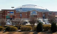 AT&T Stadium behind the Lincoln Square shopping center in Arlington on Feb. 2, 2018.(Nathan Hunsinger/Staff Photographer)