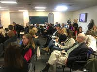 """<p><span style=""""font-size: 1em; background-color: transparent;""""><p><span style=""""font-size: 1em; background-color: transparent;"""">Some parents contend that demolishing and rebuilding Hyer and Bradfield elementaries is unnecessary because the district's enrollment has decreased in recent years.</span></p></span></p>(Elvia Limón/Staff)"""