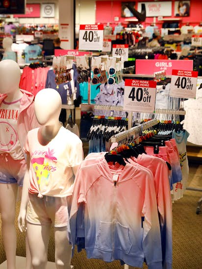 98b1a747ff25 J.C. Penney layoffs mount as company posts loss for 2017