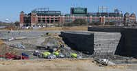 Construction continues on the new Texas Rangers baseball stadium in Arlington.(Louis DeLuca/Staff Photographer)