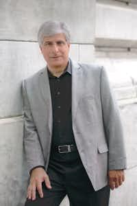 Author Steve Berry(Rana Faure)