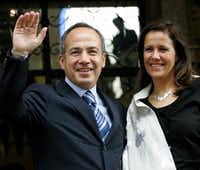 Felipe Calderon appeared his wife, Margarita Zavala, in 2006. Now she is a candidate for president.(2006 File Photo/Reuters)